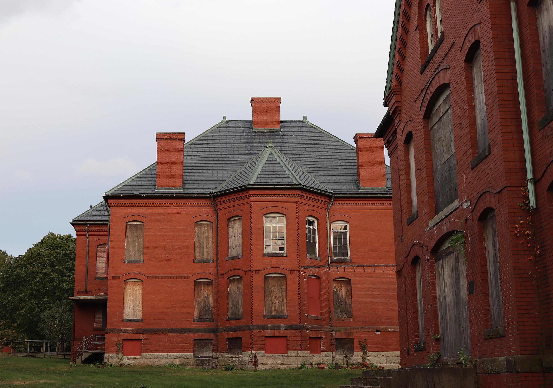 Medfield state hospital housing